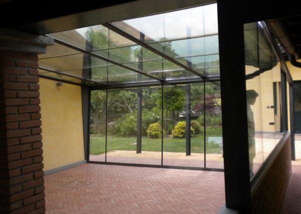 Wintergarten con vetri accostati
